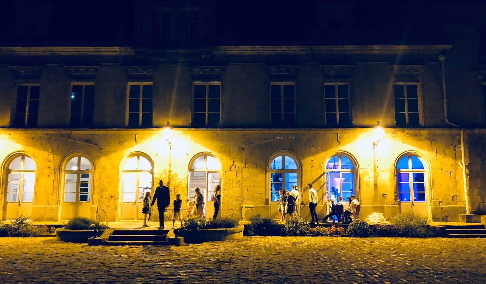 prestation mariage chateau aramont sonozikloc ambiance exterieur