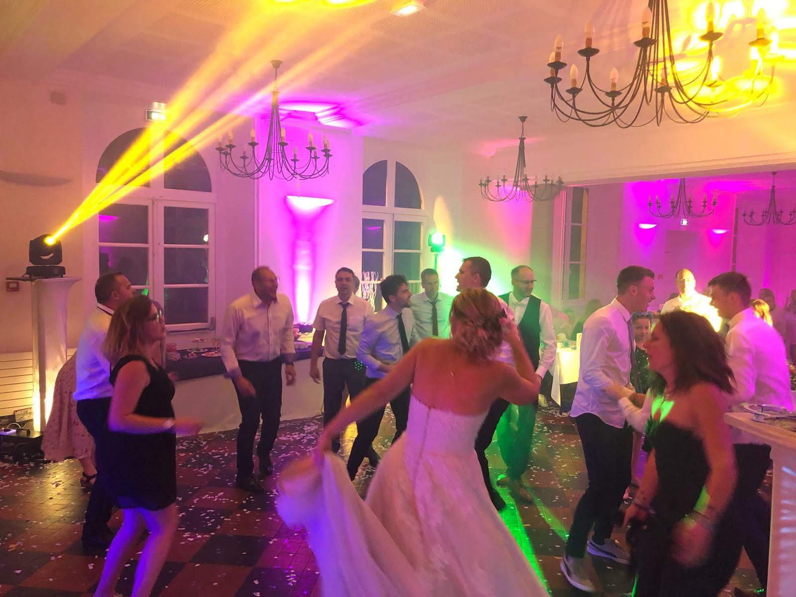 presation mariage chateau aramont sonozikloc ambiance 2